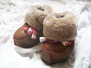 chaussons chauds bébé peau de mouton